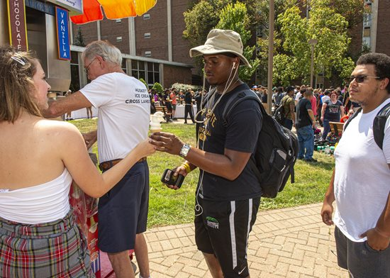 Students receive free ice cream during Welcome Days event.